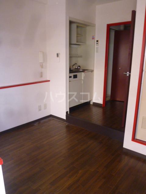 コンド六番館 305号室のリビング