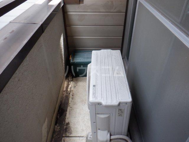 岡本マンション 303号室のバルコニー