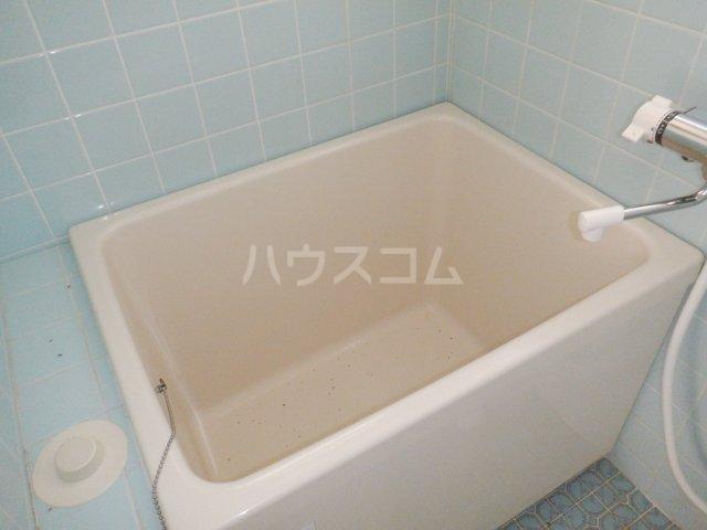 岡本マンション 303号室の風呂
