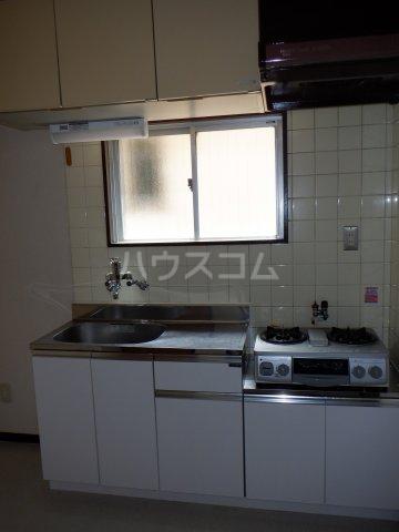 岡本マンション 303号室のキッチン