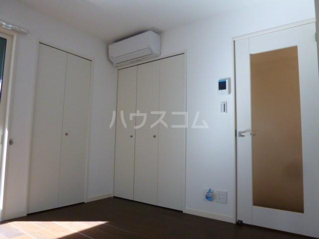 ソレアード桜坂 101号室のリビング