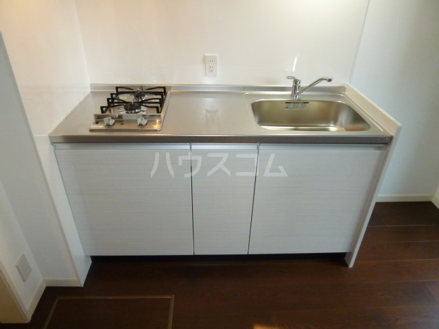ソレアード桜坂 101号室のキッチン