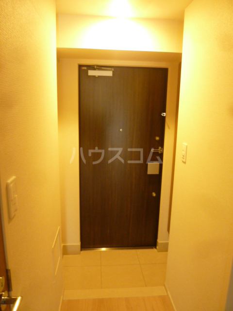 ラクラス蒲田 701号室の玄関