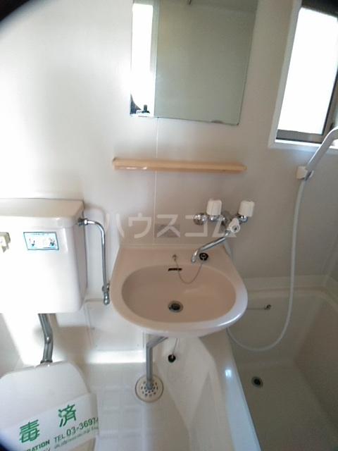 パークアベニュー 101号室の洗面所