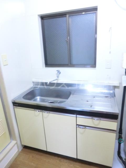 コーポラス貴船 106号室のキッチン