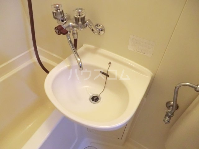 コーポラス貴船 106号室の洗面所