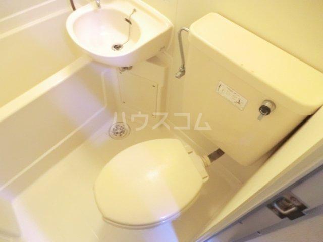コーポラス貴船 106号室のトイレ