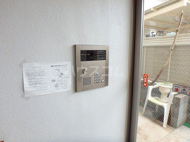 アビターレ K 301号室のエントランス