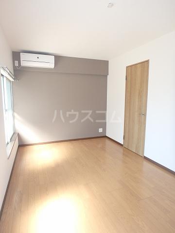リモーネ町田 201号室のリビング