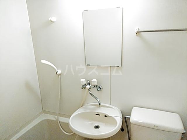 アビタⅡ 205号室の洗面所