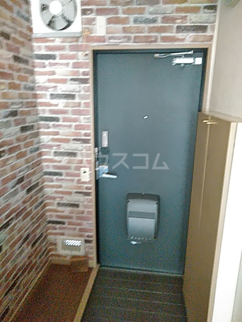 フェリシモK 1-A号室の玄関