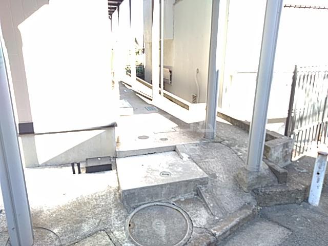 フェリシモK 1-A号室のエントランス