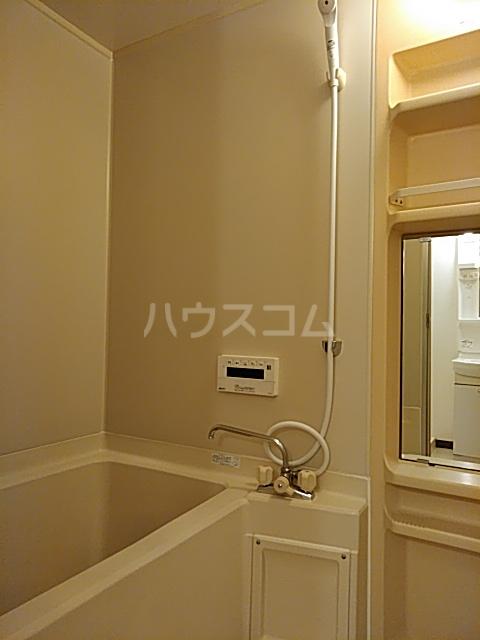サンフォレスト 202号室の風呂
