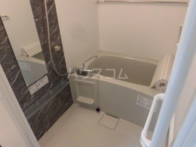 サンエイ烏山ビル 202号室の風呂