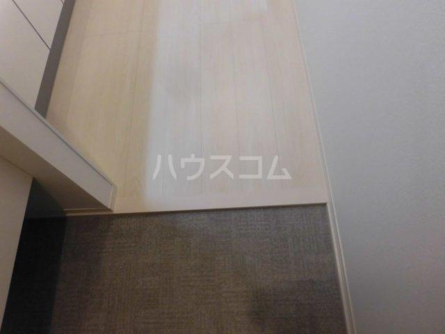 サンエイ烏山ビル 202号室の玄関