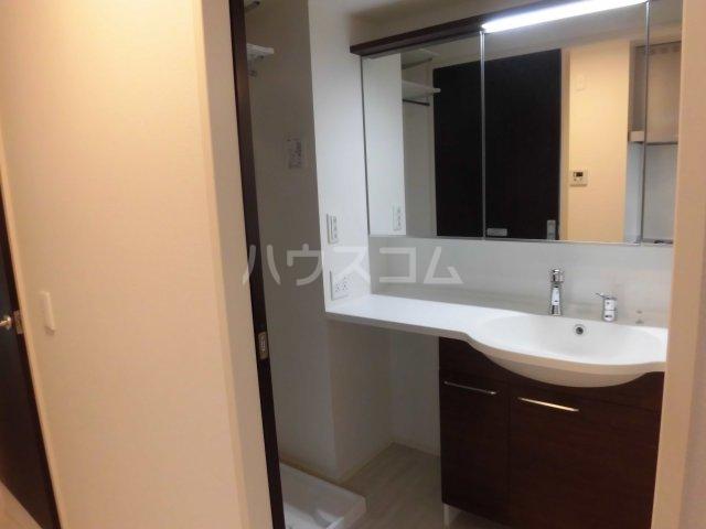 サンエイ烏山ビル 202号室の洗面所