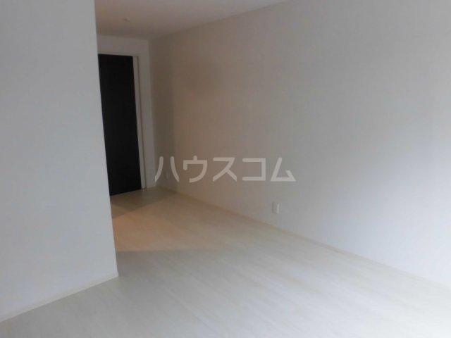 サンエイ烏山ビル 202号室の居室
