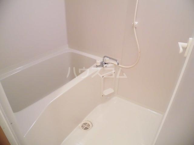 フォーシーズン 202号室の風呂