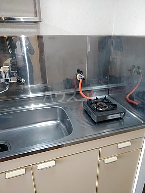 ハイツアミーゴ 109号室のキッチン