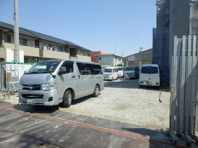 ベレッツァ上浅田 103号室の駐車場