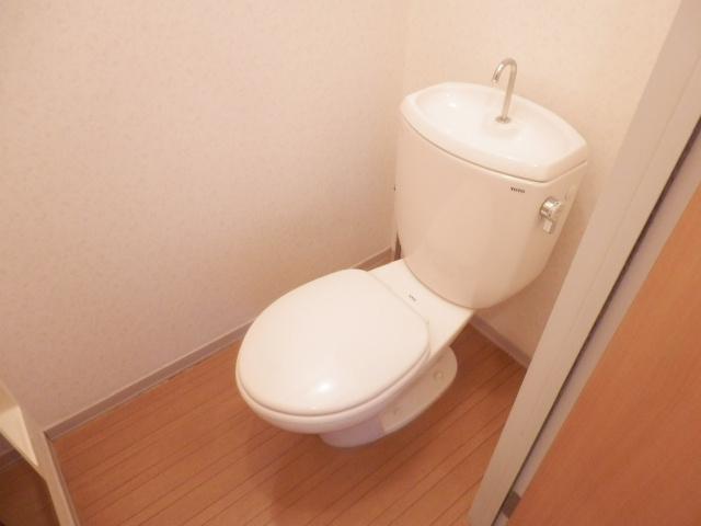 ディアハウス 102号室のトイレ