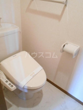 グランドゥール泉台 101号室のトイレ