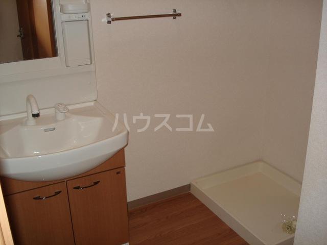 キャナルコート 201号室の洗面所