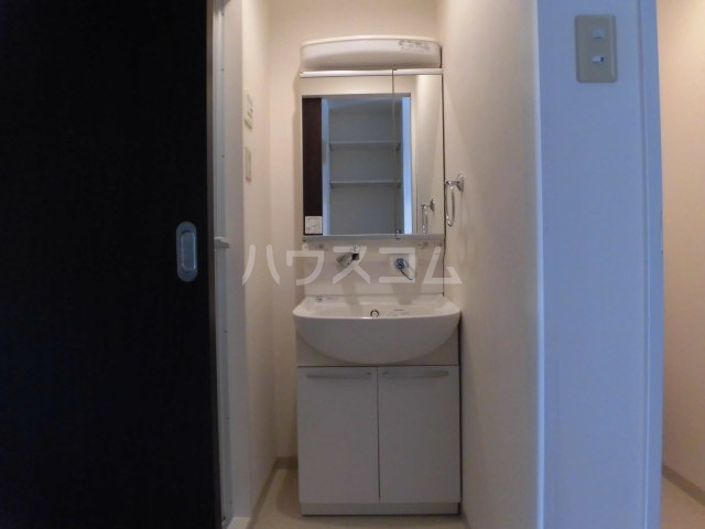 SAikyo SAKURAGI BL 505号室の洗面所