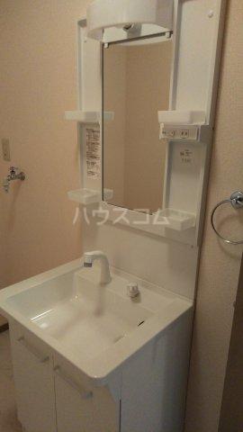 プリマベーラB 101号室の洗面所