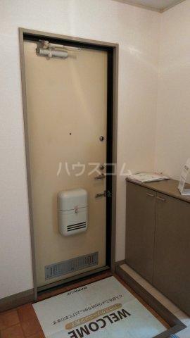 プリマベーラB 101号室の玄関