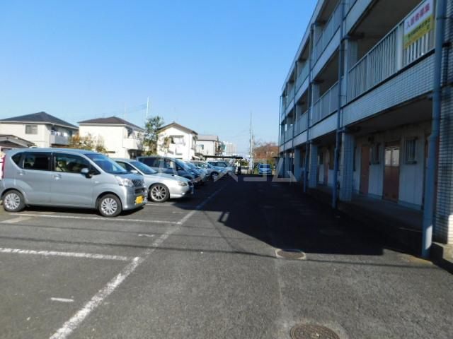 サンモール今泉 201号室の駐車場