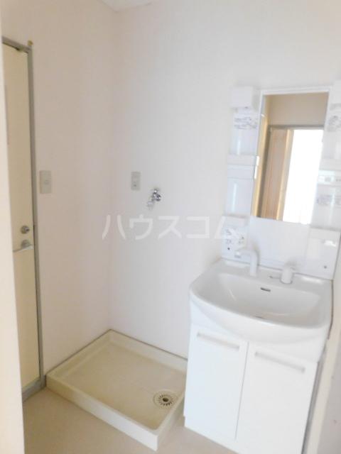 サンモール今泉 201号室の洗面所