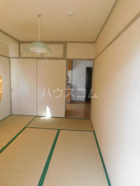 サンモール今泉 201号室の居室