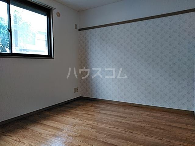 ドエリングA 102号室の居室