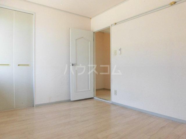 ネオハイムB 201号室の居室