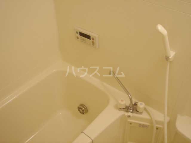 マロンコート 205号室の風呂