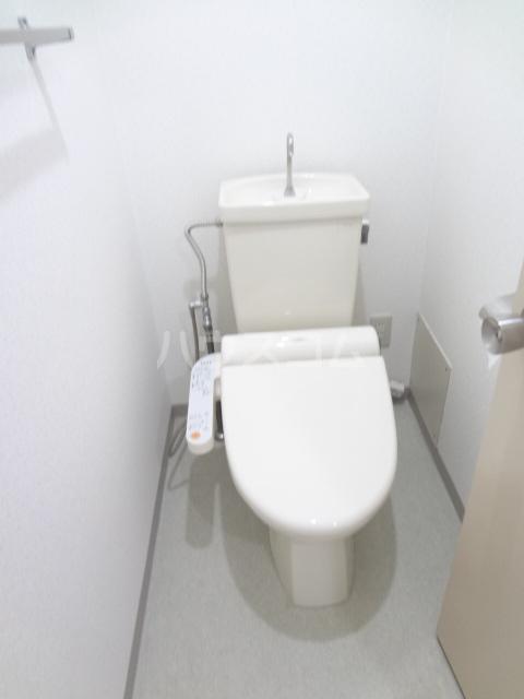 ガーデンハイツ愛宕 303号室のトイレ