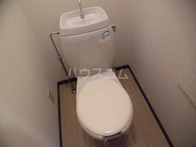 コスモセブン6号棟 102号室のトイレ