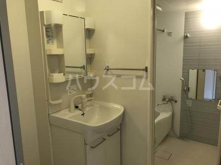 グランモア泉台 203号室の洗面所