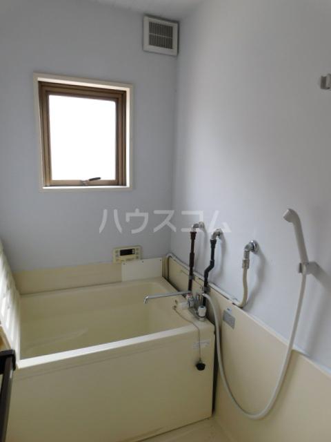 岡野マンション B-101号室の風呂