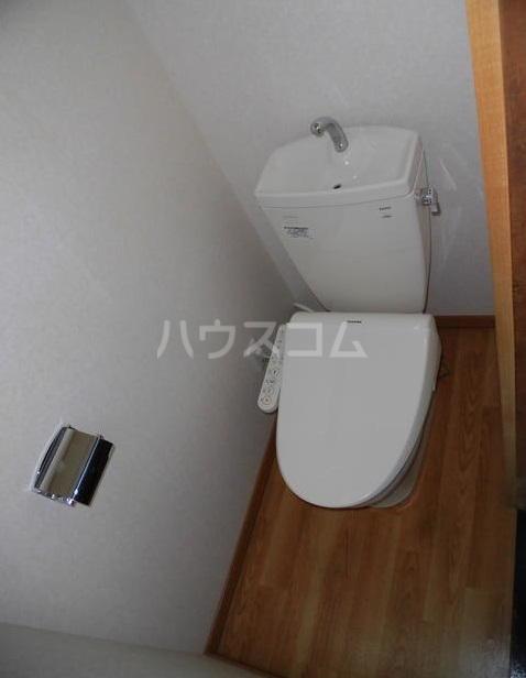 柏座戸建のトイレ