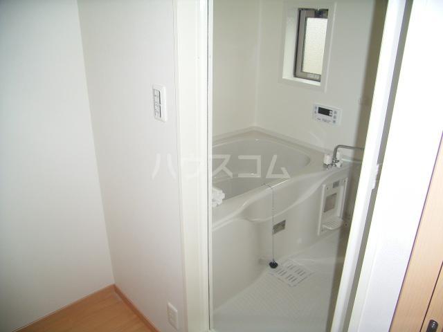 セントレジデンス大塚 101号室の風呂