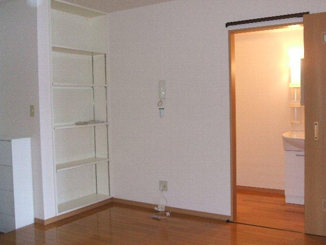 ハイツ原新町 103号室の居室