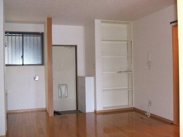 ハイツ原新町 103号室の玄関