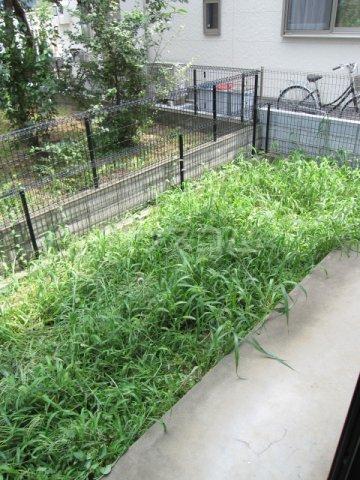 プリシェール伊奈中央 102号室の庭