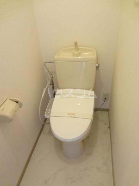 プリシェール蔵 101号室のトイレ