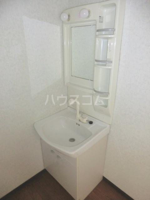 コーポ・シマC 202号室の洗面所