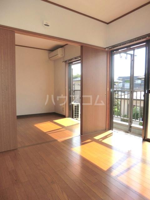 コーポ・シマC 202号室の居室