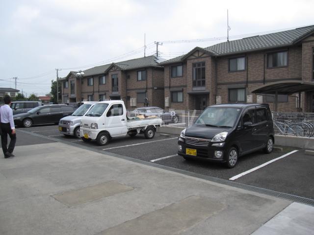 ファインステージ鴻巣 205号室の駐車場