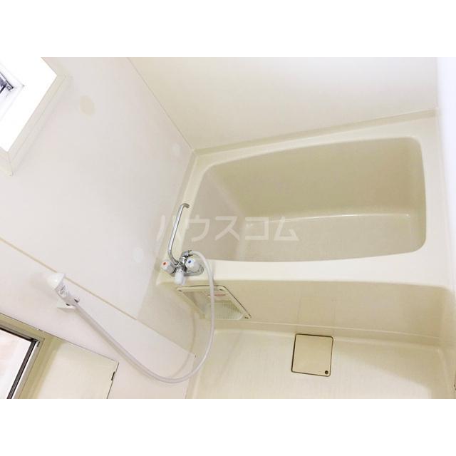 ドミール2号棟 202号室の風呂